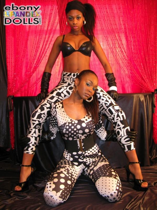 lesbian ebony models in tight lycra