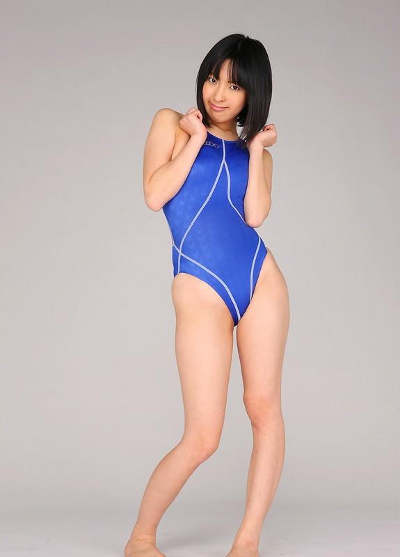 petite japan chick An Mashiro in speedo swimsuit
