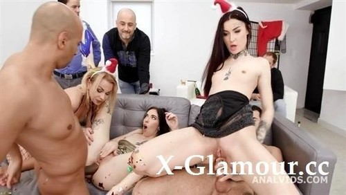 Tabitha Poison, Giada Sgh, Rebecca Sharon - Legal Porno (SD)