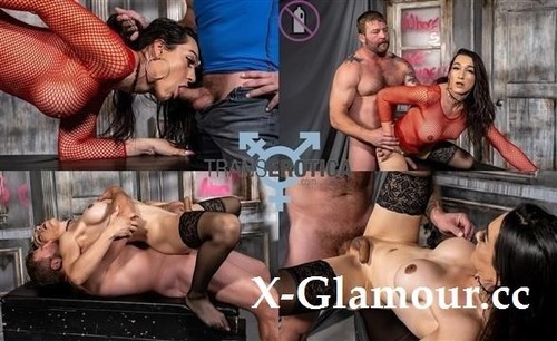 Bambi Bliss Fucked By Colby Jansen - Blowjob (SD)