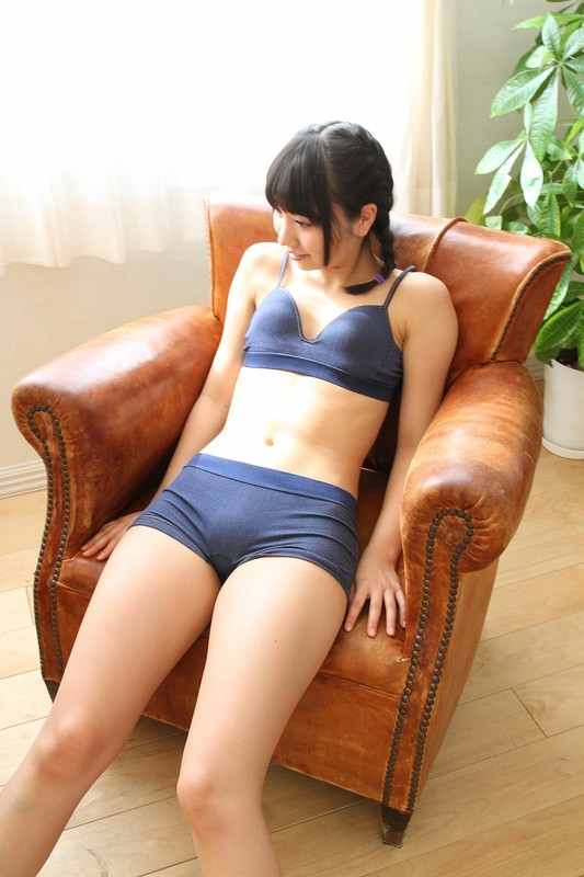 japan athlete chick Miku Takaoka in gym uniform