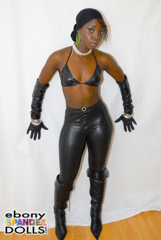 ebony lady Rhita in leather pants & boots