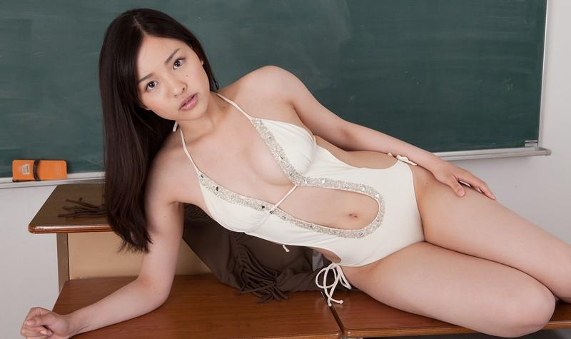 naughty japan lady Shizuka in swimsuit & high heels