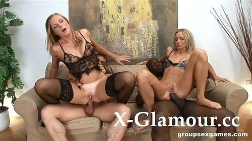 Carmeron Gold, Ulrika - Two Hot Sluts Enjoy In Group Sex (SD)