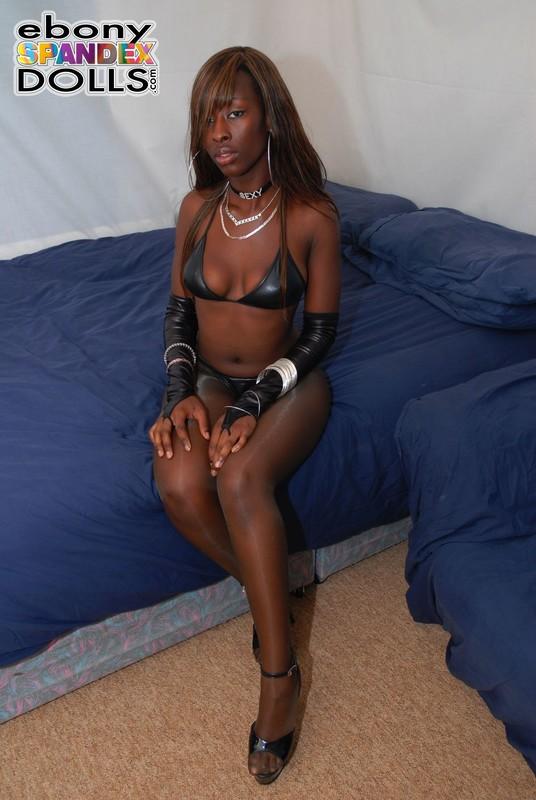 horny african lady Stephanie in bikini & pantyhose