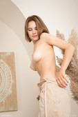 Diana V in Natural (2021-02-05)