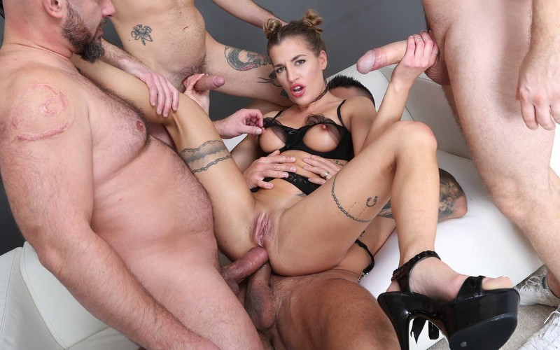 Fist and Squirt, Silvia Dellai 4on1 Balls Deep Anal, Squirt Drink, Anal Fisting and Swallow GIO1729 [HD 720P]