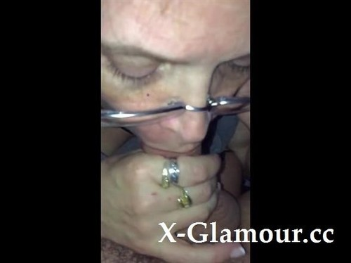 Skillful Woman Makes A Fellows Dong Hard Using Her Lips [SD]