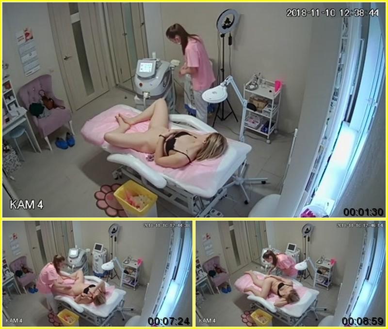 hz Voyeur in cosmetic salon #13